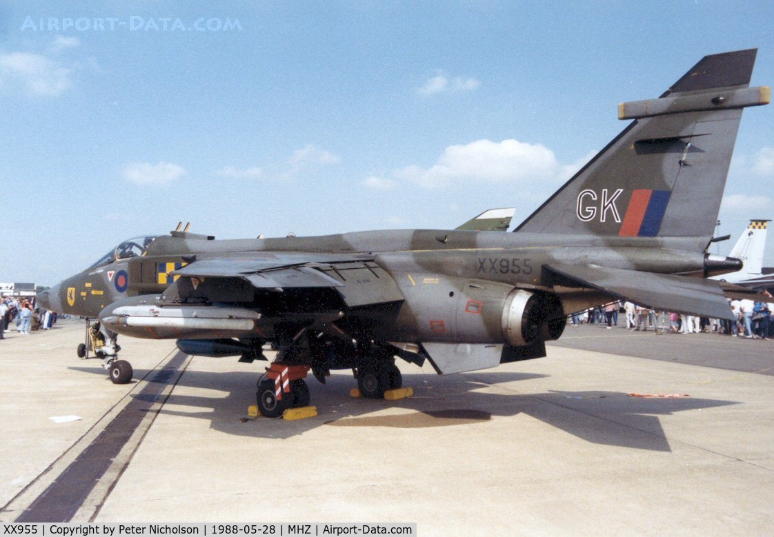 XX955, 1975 Sepecat Jaguar GR.1A C/N S.77, Another view of the 54 Squadron Jaguar GR.1A in the static park of the 1988 Mildenhall Air Fete.