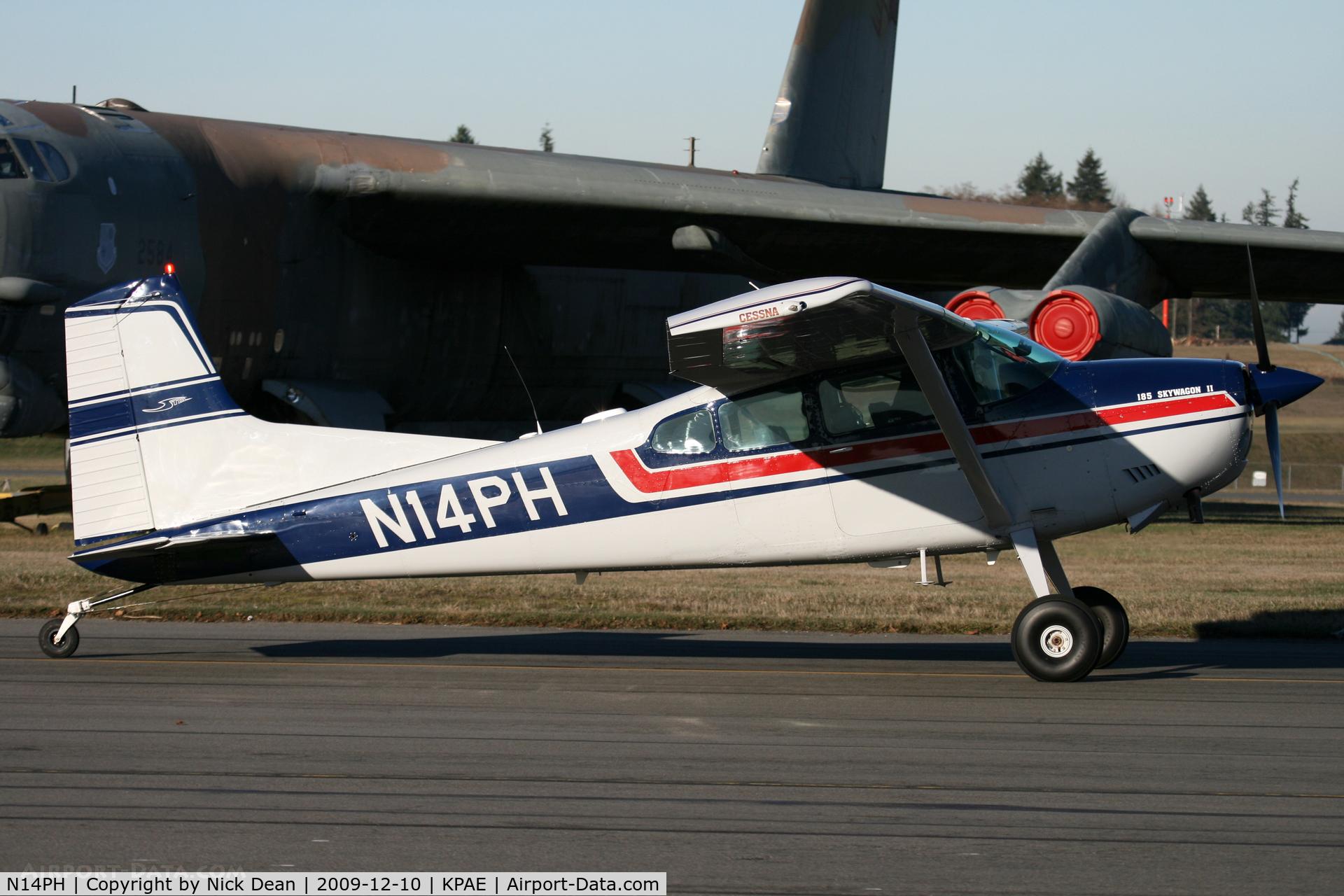 N14PH, 1981 Cessna A185F Skywagon 185 C/N 18504323, KPAE