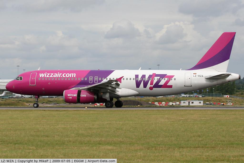 LZ-WZA, Airbus A320-232 C/N 2571, Braking on arrival on Runway 26.