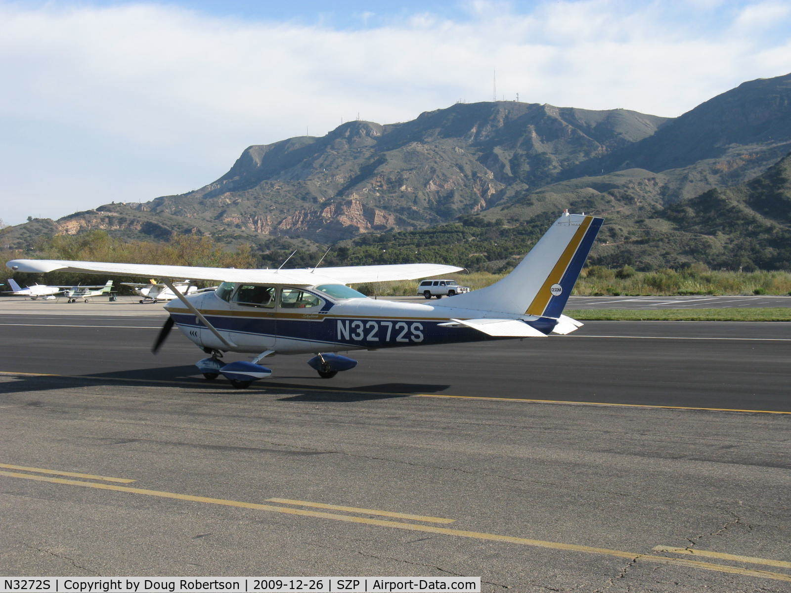N3272S, 1964 Cessna 182G Skylane C/N 18255772, 1964 Cessna 182G SKYLANE, Continental O-470-S 230 Hp, taxi back