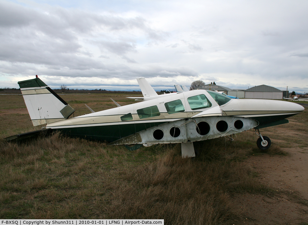 F-BXSQ, Piper PA-34-200T C/N 347670160, Now he is a wreck since many years...