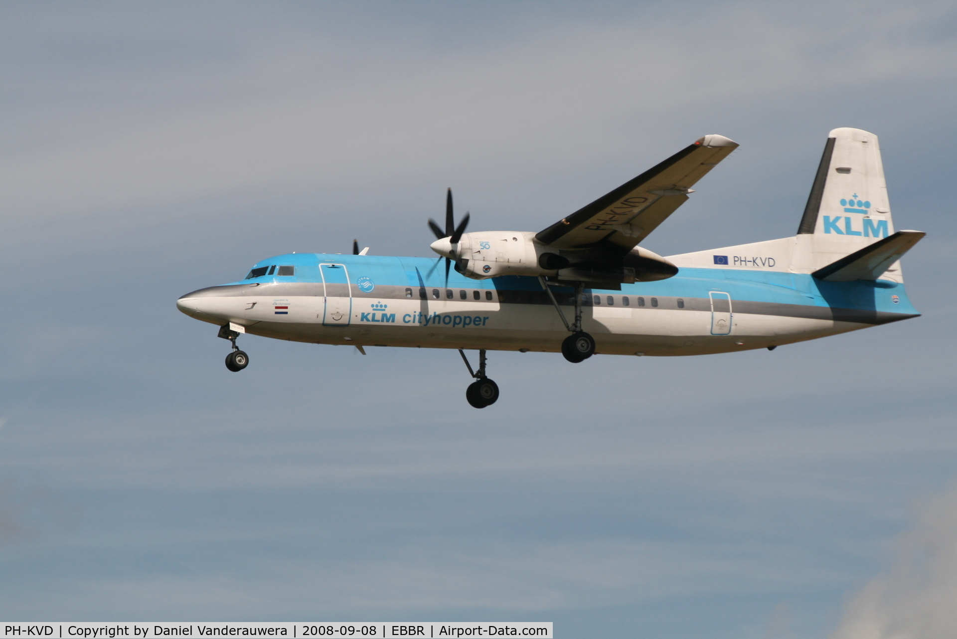 PH-KVD, 1990 Fokker 50 C/N 20197, Arrival of flight KL1725 to RWY 25L