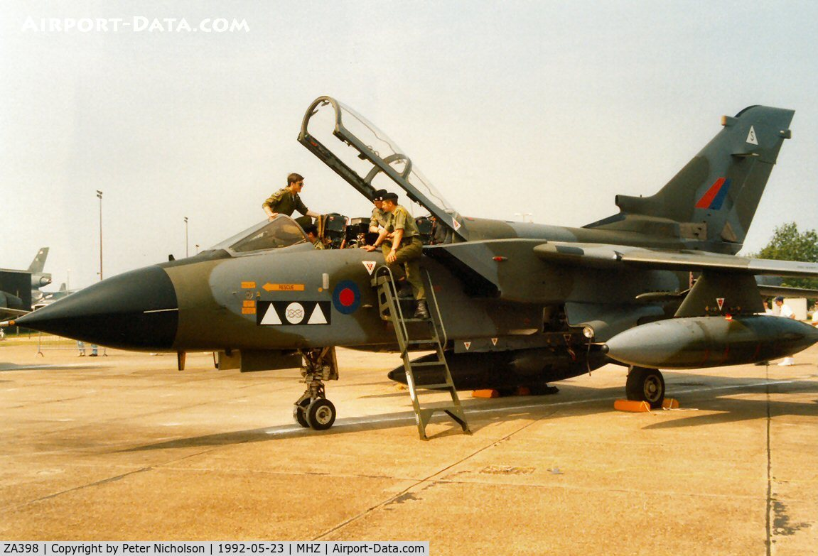 ZA398, 1982 Panavia Tornado GR.1A C/N 199/BS065/3097, Another view of the 2 Squadron Tornado GR.1A on display at the 1992 Mildenhall Air Fete.