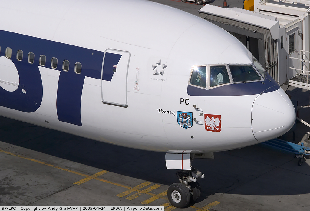 Aircraft SP-LPC (1997 Boeing 767-35D/ER C/N 28656) Photo by Andy