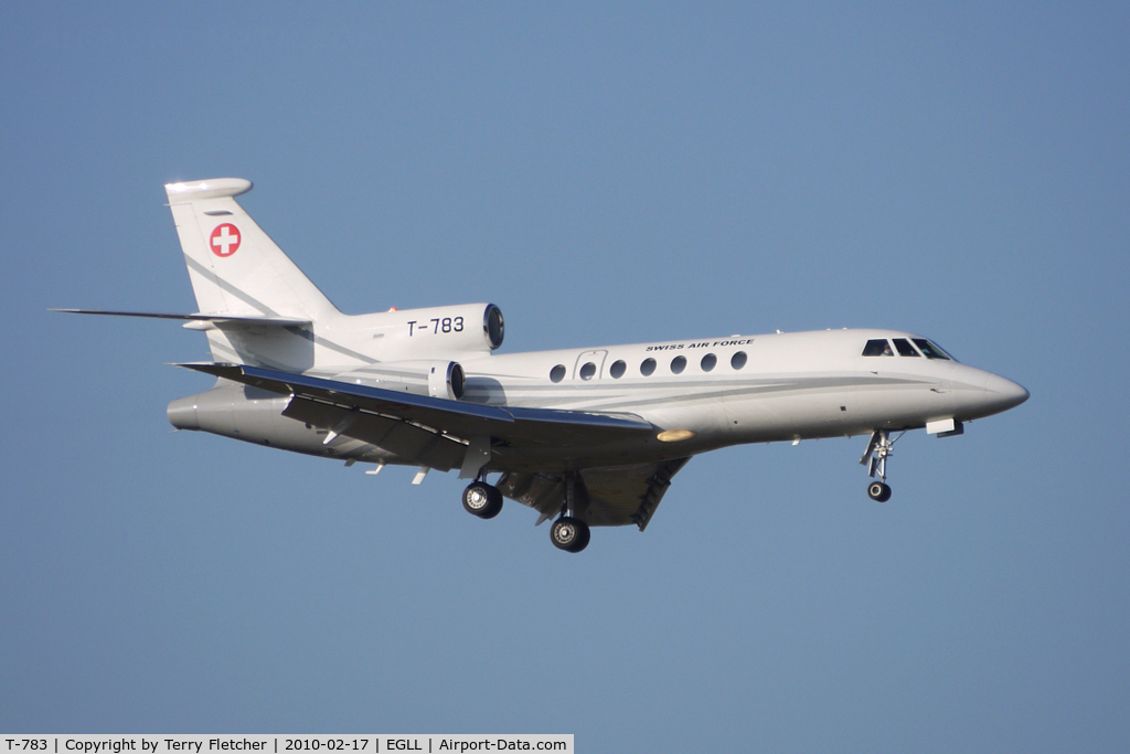 T-783, Dassault Falcon 50 C/N 67, Swiss Air Force Falcon 50 about to land at Heathrow