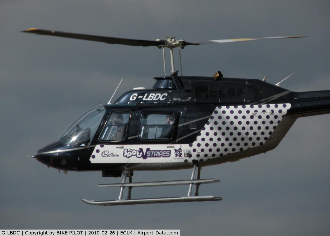 G-LBDC, 1984 Bell 206B JetRanger III C/N 3806, HEADING TOWARDS IT'S LANDING SPOT