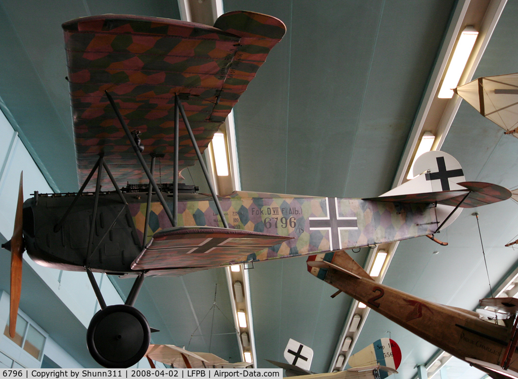 6796, Fokker D-VII C/N Not found 6796, Preserved @ Le Bourget Museum