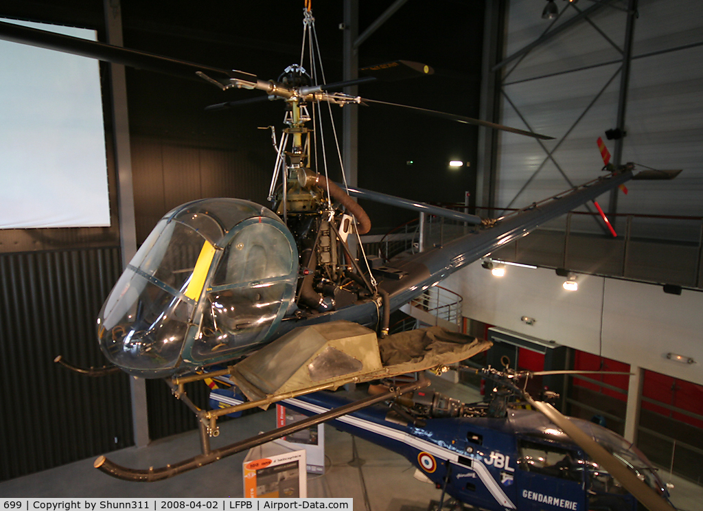 699, Hiller OH-23B Raven C/N Not found 699, UH-12B preserved @ Le Bourget Museum