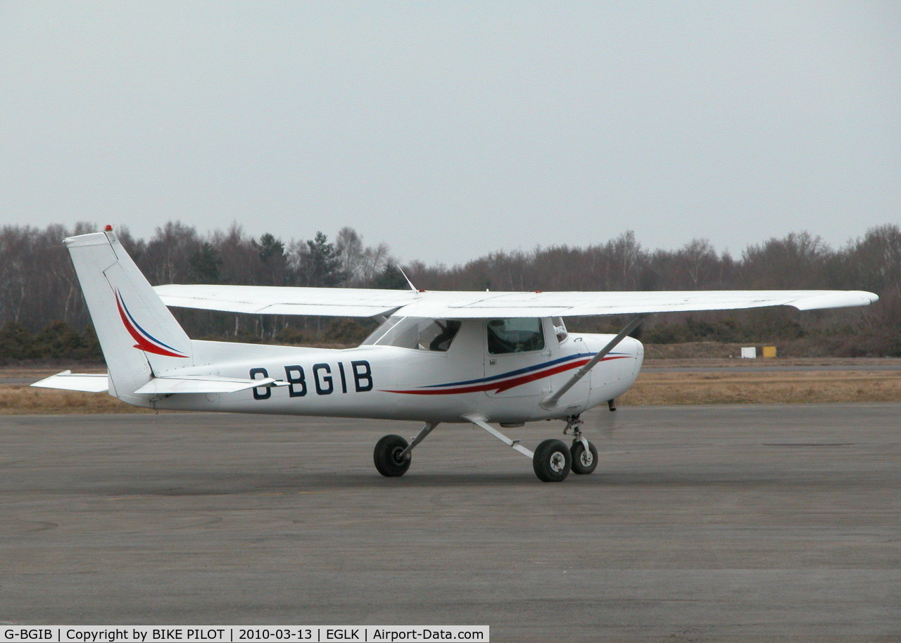 G-BGIB, 1979 Cessna 152 C/N 152-82161, DROPPED IN FOR FUEL