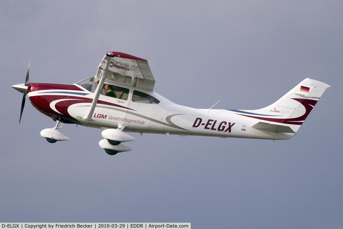D-ELGX, Cessna T182T Turbo Skylane C/N Not found D-EVDE, departing Saarbrücken