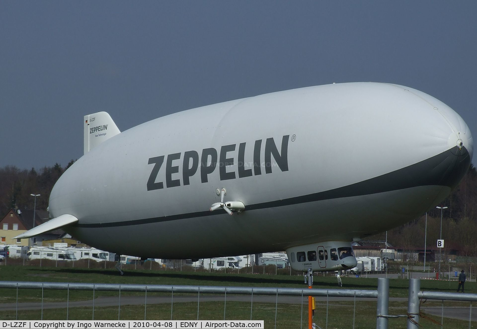 D-LZZF, 1998 Zeppelin LZ-N07 C/N 3, Zeppelin NT LZ-N07 at the AERO 2010, Friedrichshafen