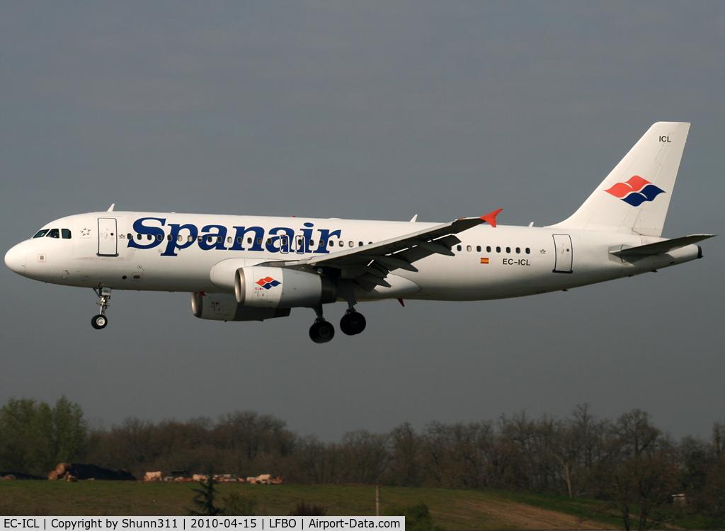 EC-ICL, 2001 Airbus A320-232 C/N 1682, Landing rwy 14R