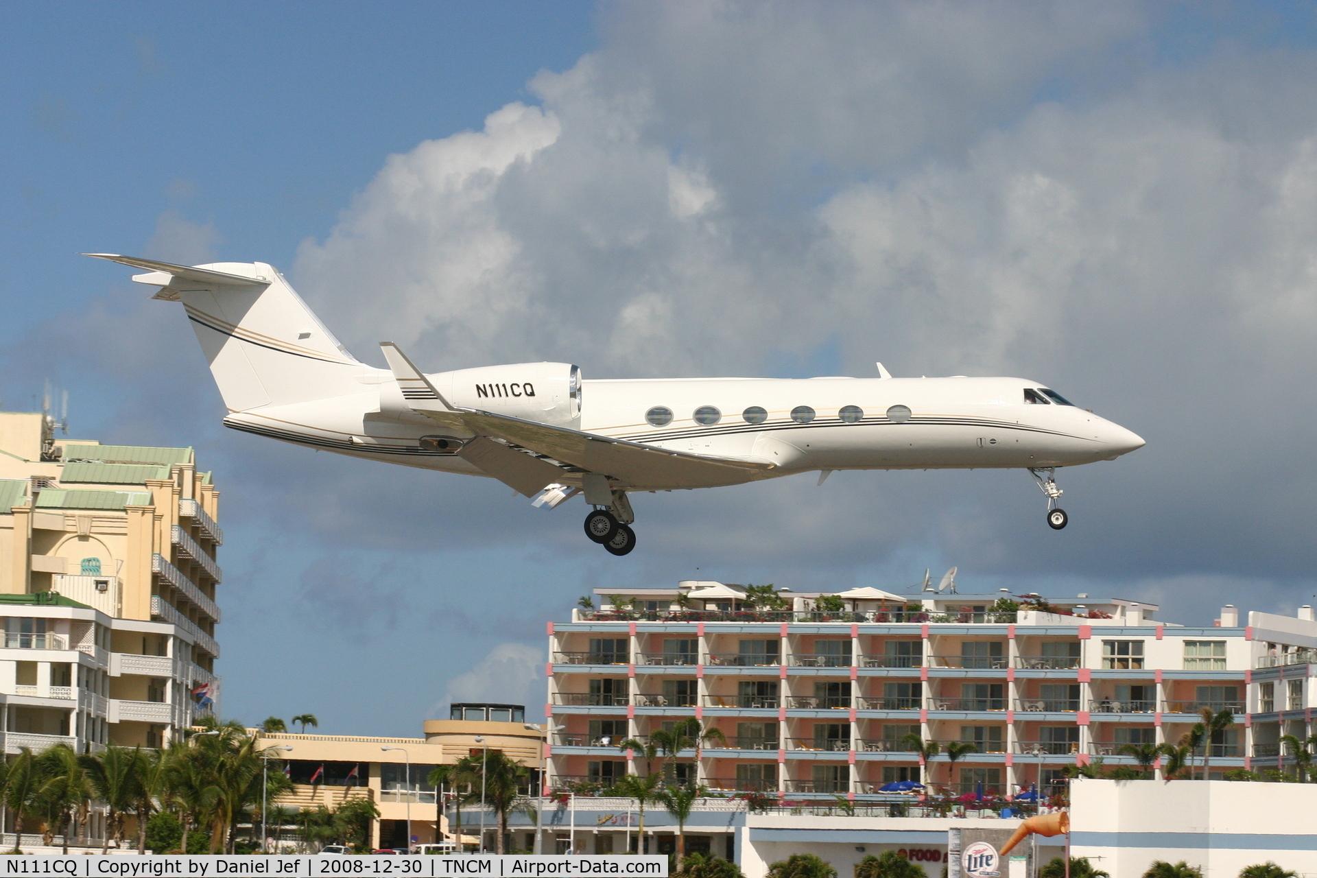 N111CQ, 2004 Gulfstream GIV-X (G450) C/N 4006, N111CQ landing at TNCM runway 10