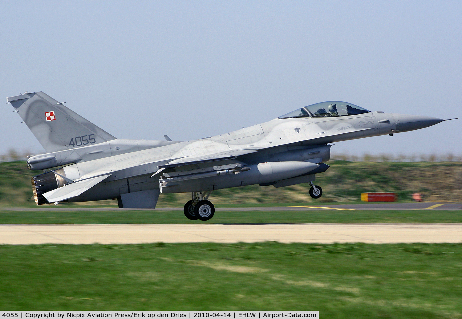 4055, 2007 Lockheed Martin F-16CJ Fighting Falcon C/N JC-16, Poland AF F-16C 4055 on landing on runway 06 at Leeuwarden AB, The Netherlands, during Frisian Flag 2010