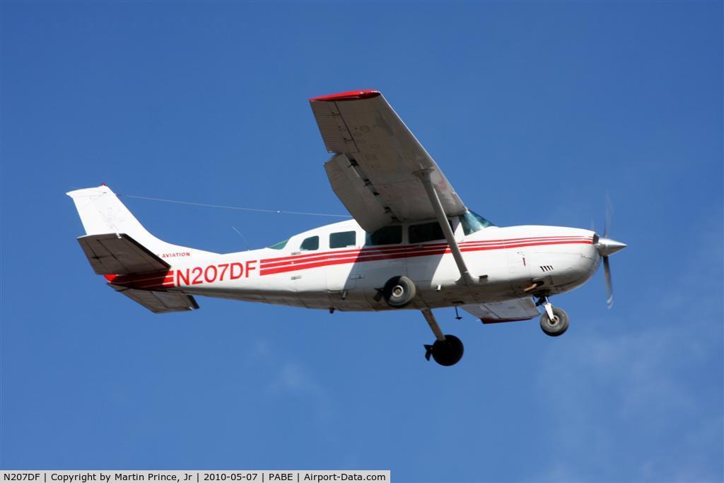 N207DF, 1981 Cessna 207A C/N 20700728, Grant Air Cessna 207 landing runway 18