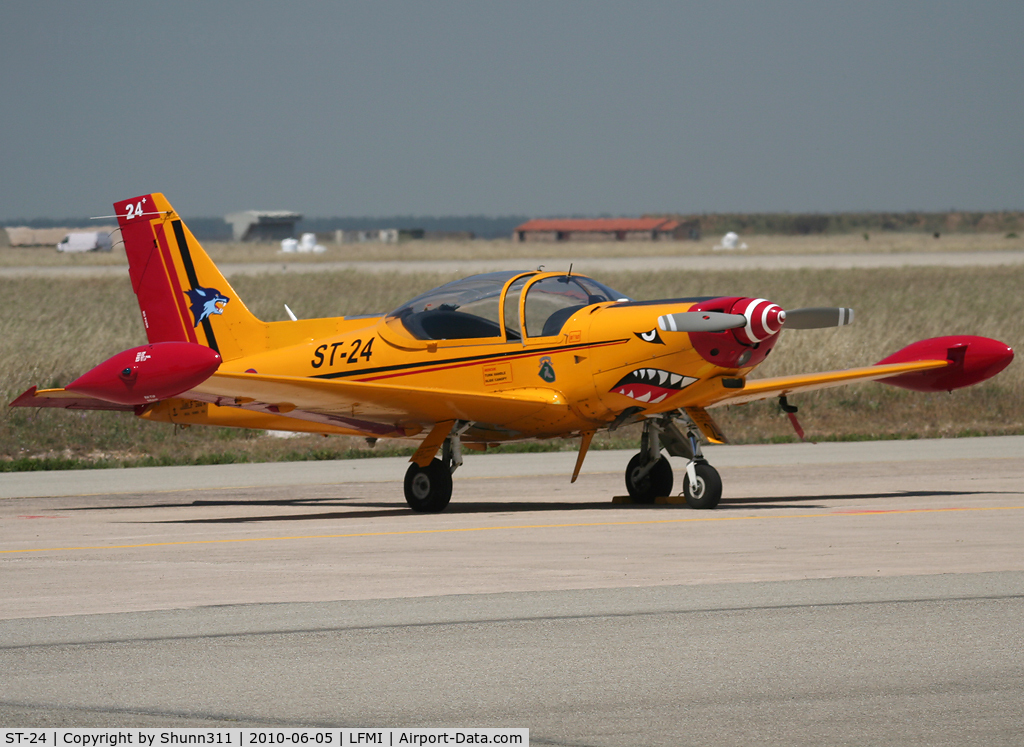 ST-24, SIAI-Marchetti SF-260M C/N 1024, Used as a demo during LFMI Airshow 2010