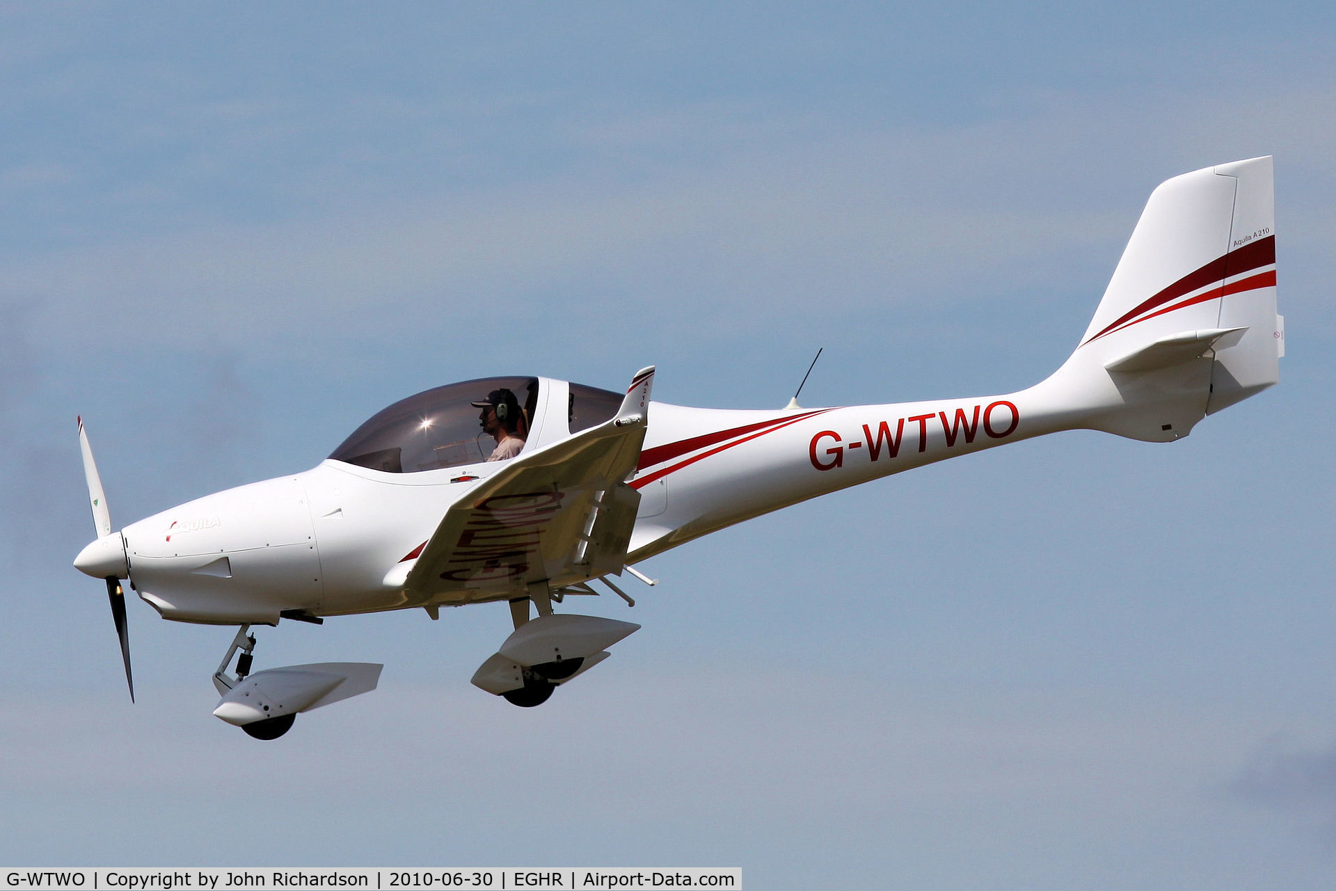 G-WTWO, 2007 Aquila A210 (AT01) C/N AT01-176, Finals into Goodwood