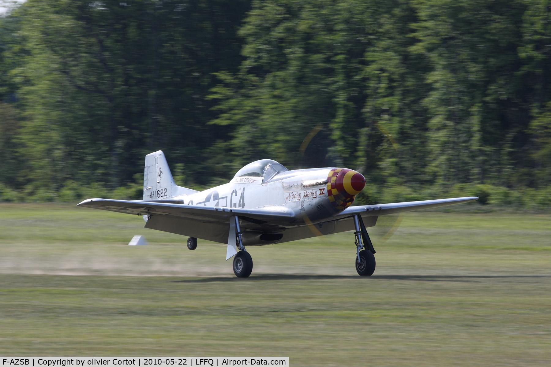 F-AZSB, 1944 North American P-51D Mustang C/N 122-40967, Ferté Alais airshow 2010