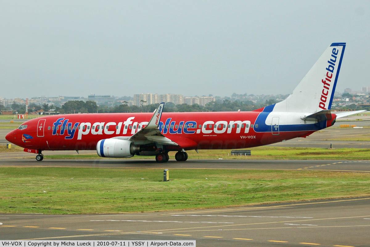 VH-VOX, 2004 Boeing 737-8BK C/N 33017, At Sydney