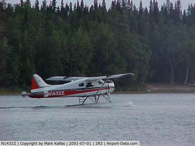 N1432Z, 1954 De Havilland Canada U-6A Beaver C/N 797, Summit Leasing/Alaska West Air, Dehavilland BEAVER U-6A departing Island Lake (2R3).