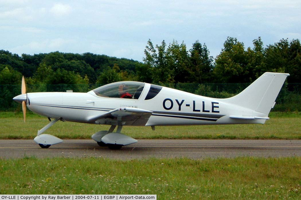 OY-LLE, 2000 Lasse Lykke Espersen/Aero Designs Pulsar XP 912 C/N 96/03-474, Aero Designs Pulsar XP [96/03/474] Kemble~G 11/07/2004. Taxiing out for departure from PFA 2004