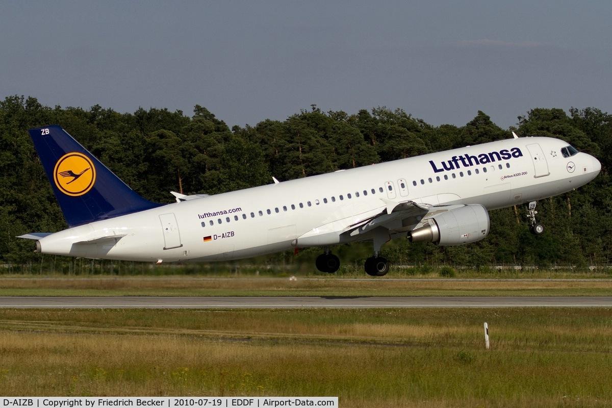 D-AIZB, 2009 Airbus A320-214 C/N 4120, lift off
