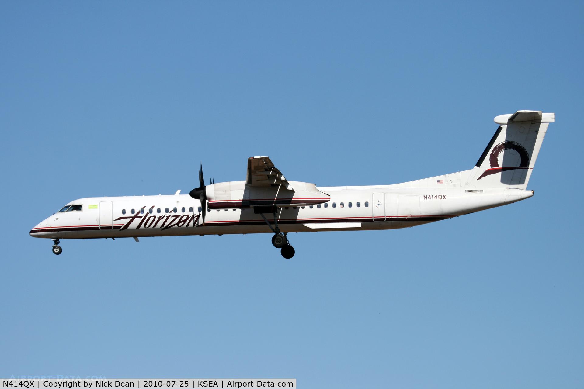 N414QX, 2002 Bombardier DHC-8-402 Dash 8 C/N 4061, KSEA