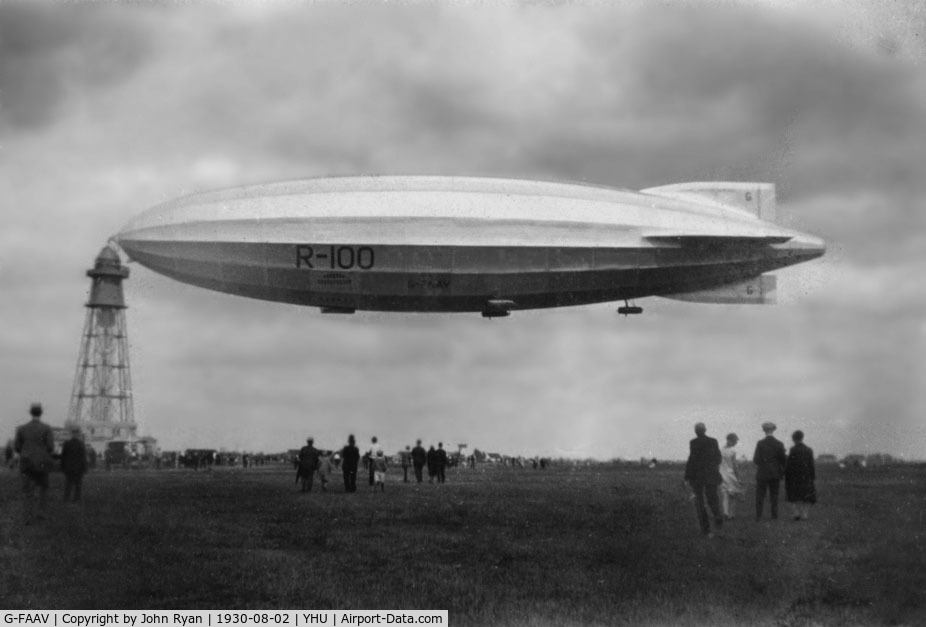 G-FAAV, Airship Guarantee Company RIGID AIRSHIP R100 C/N R100, R-100 at Saint-Hubert airport in Montreal in 1930