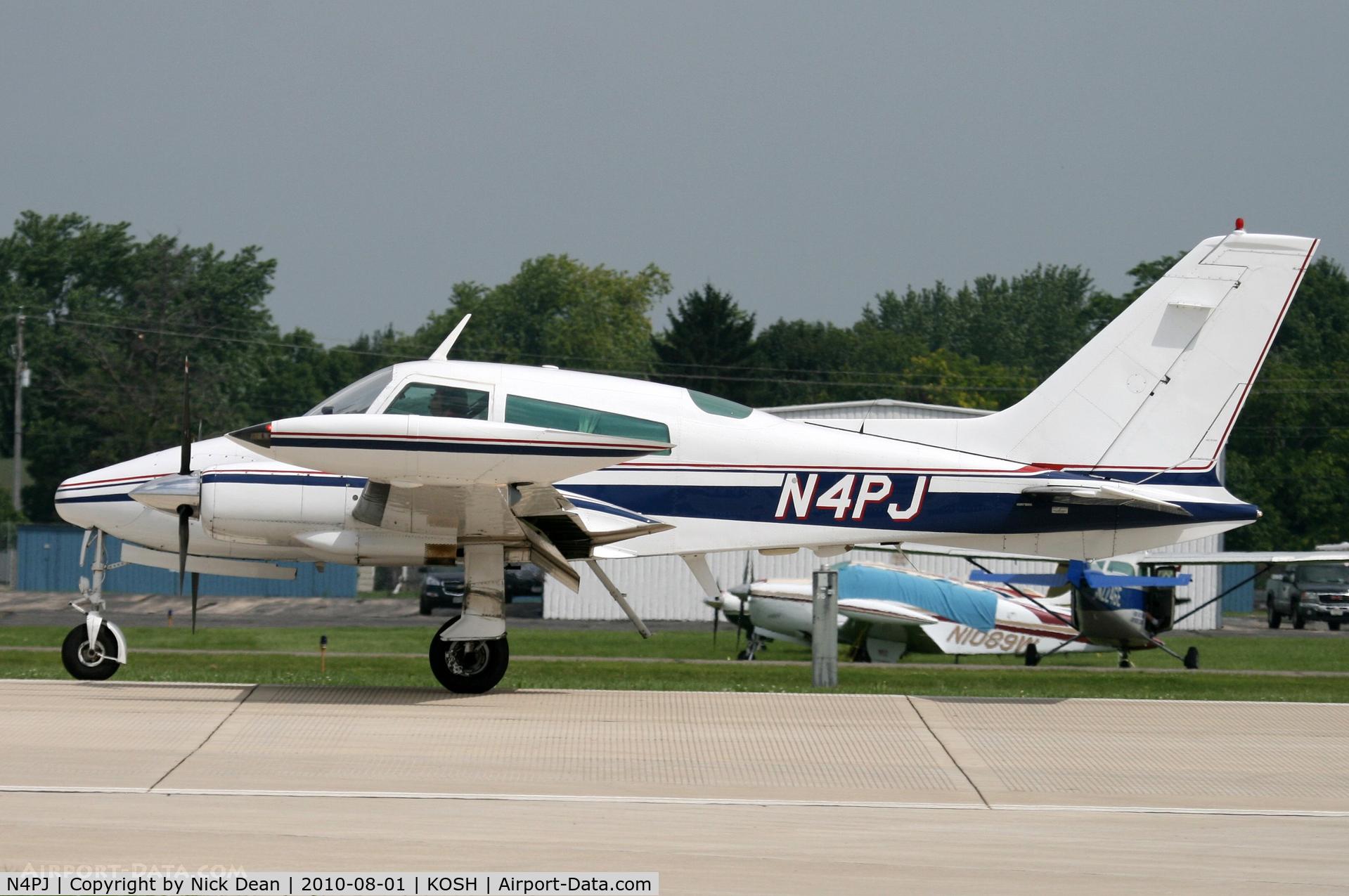 N4PJ, 1972 Cessna 310Q C/N 310Q-0515, KOSH