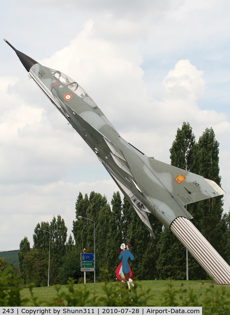 243, Dassault Mirage IIIB-RV C/N 243, S/n 243 - Dassault Mirage 3B-RV preserved on a roundabout at the entrance of this town...