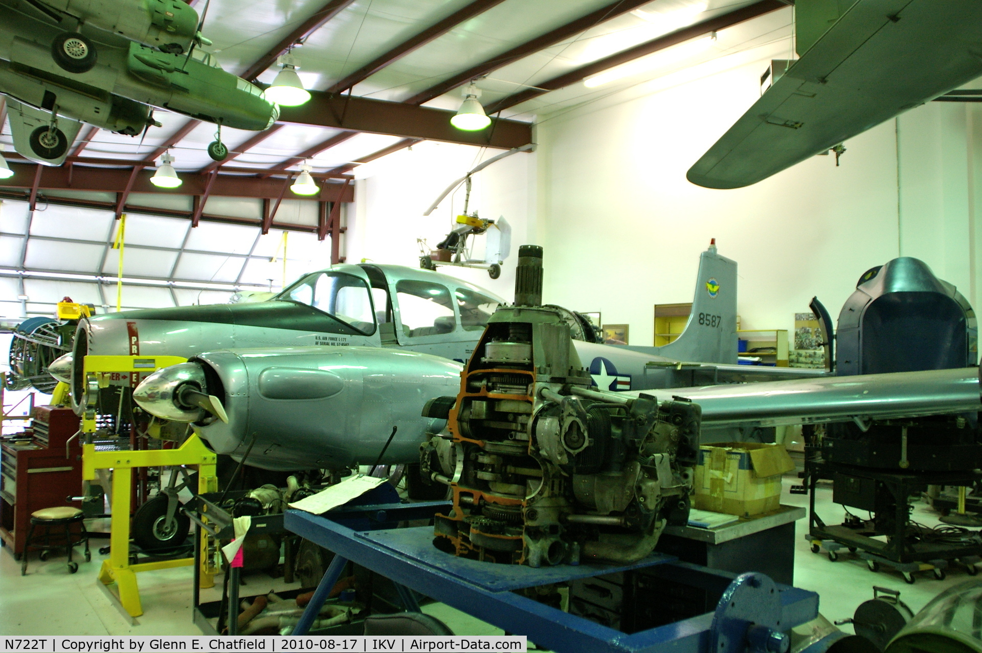 N722T, 1947 Temco D-16A Twin Navion C/N TTN-90 (NAV-4-482), Undergoing rebuild