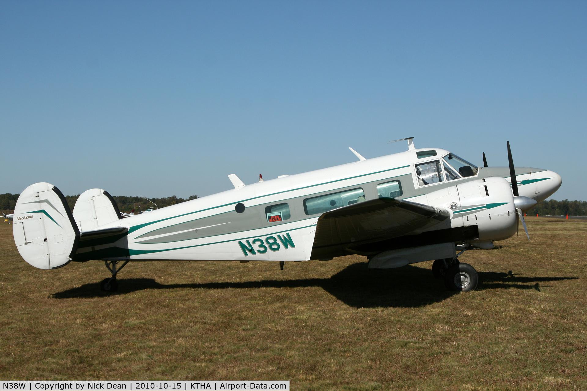 N38W, 1960 Beech H-18 C/N BA-580, KTHA Beech party 2010