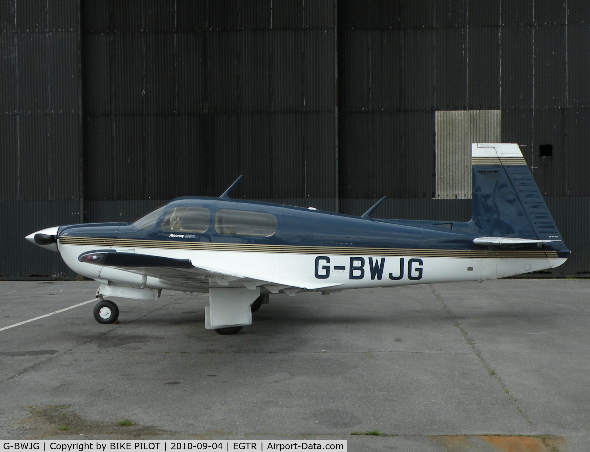 G-BWJG, 1993 Mooney M20J 201 C/N 24-3319, Nice Mooney in front of the main hanger.