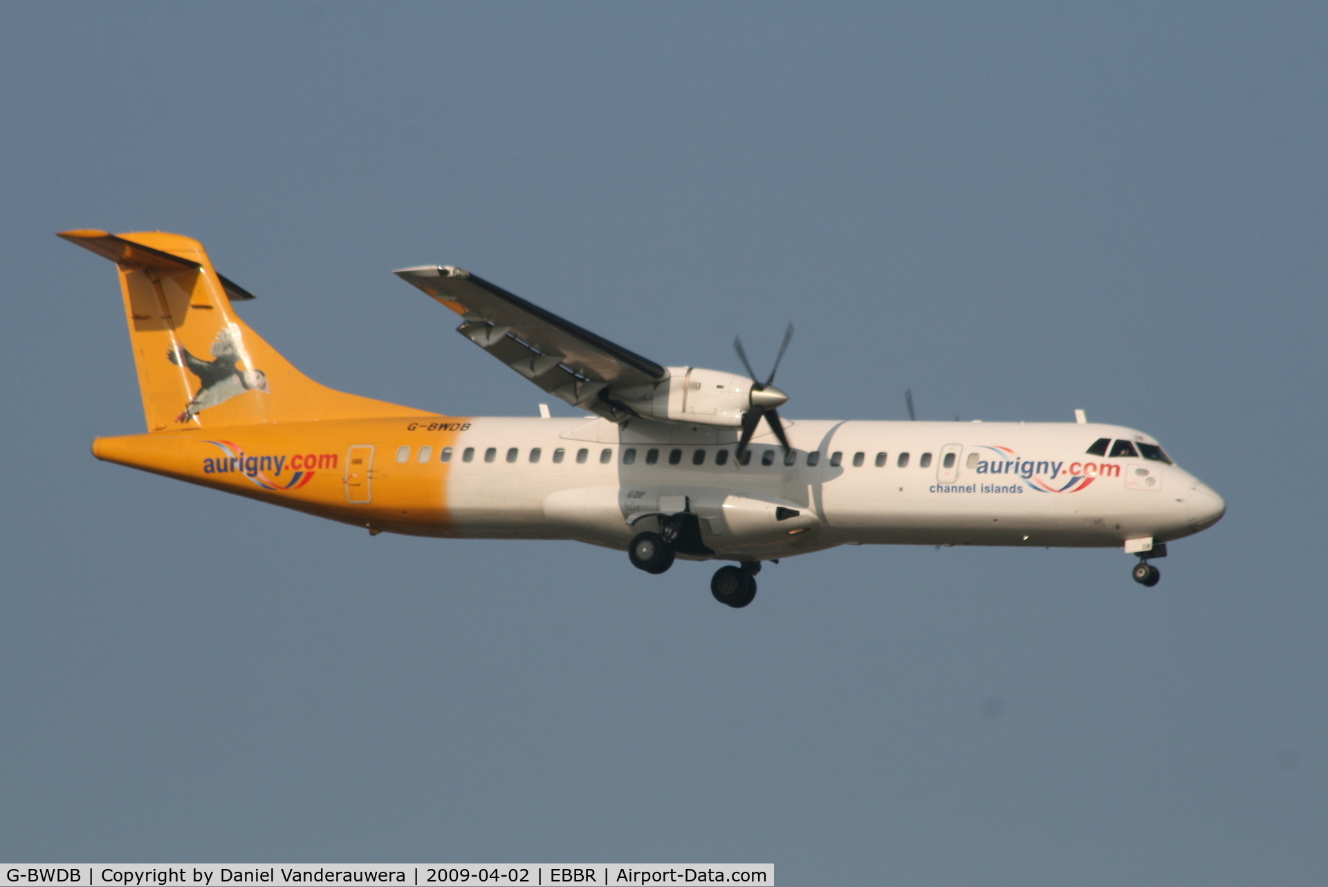 G-BWDB, 1995 ATR 72-202 C/N 449, Flight BE7181 is descending to RWY 02