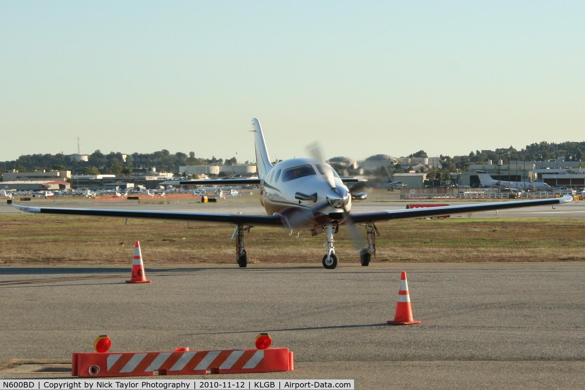 N600BD, 2008 AIR EPIC LT C/N 019, at the AOPA Airport fest
