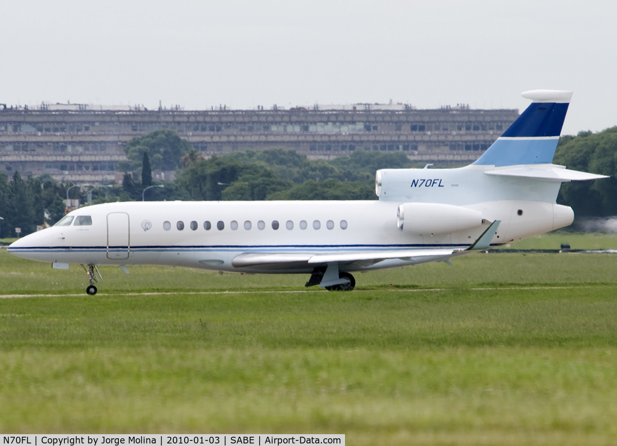 N70FL, 2007 Dassault Falcon 7X C/N 7, Taxi to executive ramp...