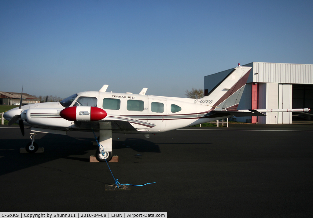 C-GXKS, 1975 Piper PA-31-325 Navajo C/R C/N 31-7512038, C/n 31-7512038 - Parked...
