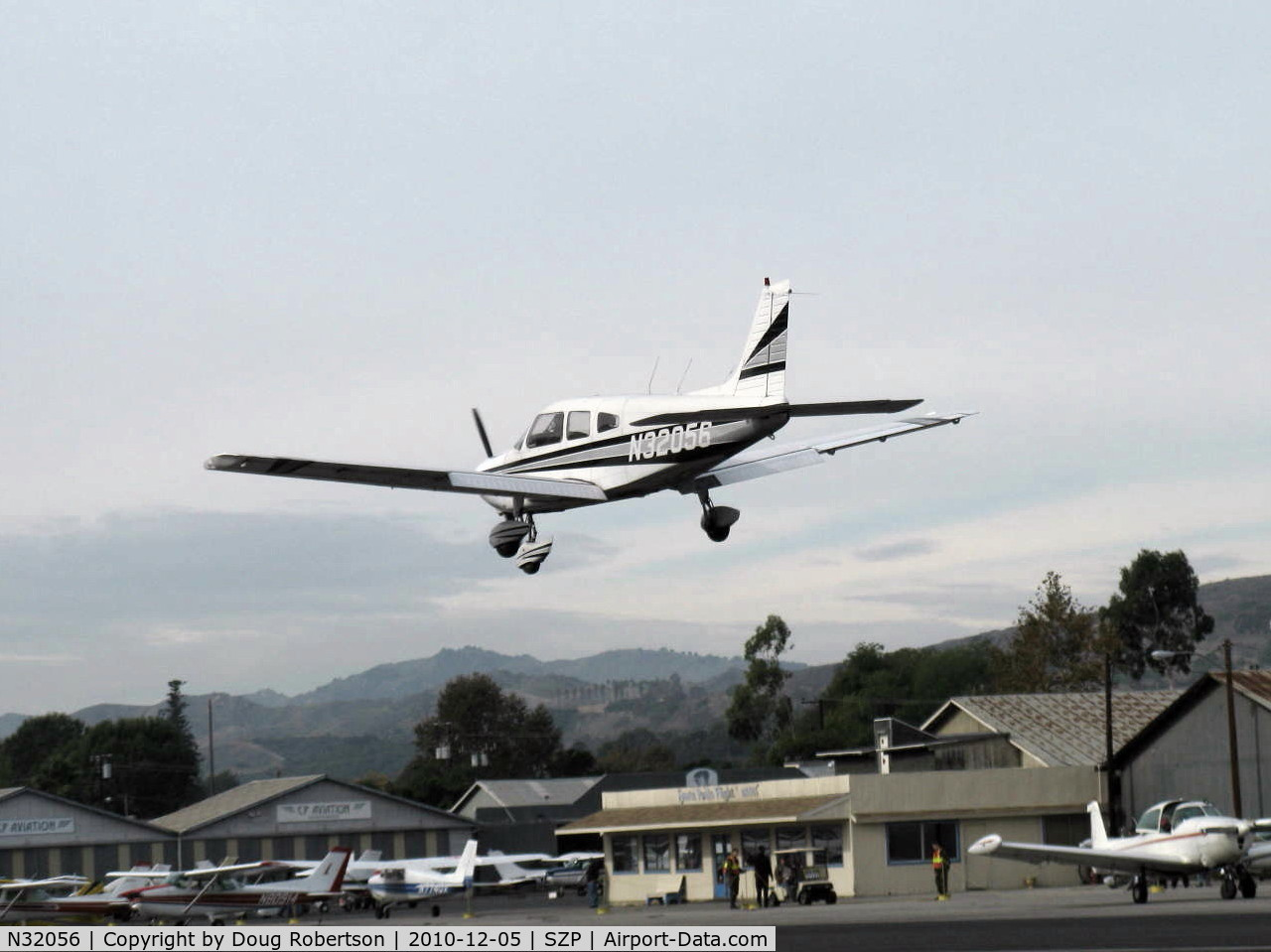 N32056, 1974 Piper PA-28-151 C/N 28-7515056, 1975 Piper PA-28-151 WARRIOR, Lycoming O-320-E2D 150 Hp, high fast long go-around over 22