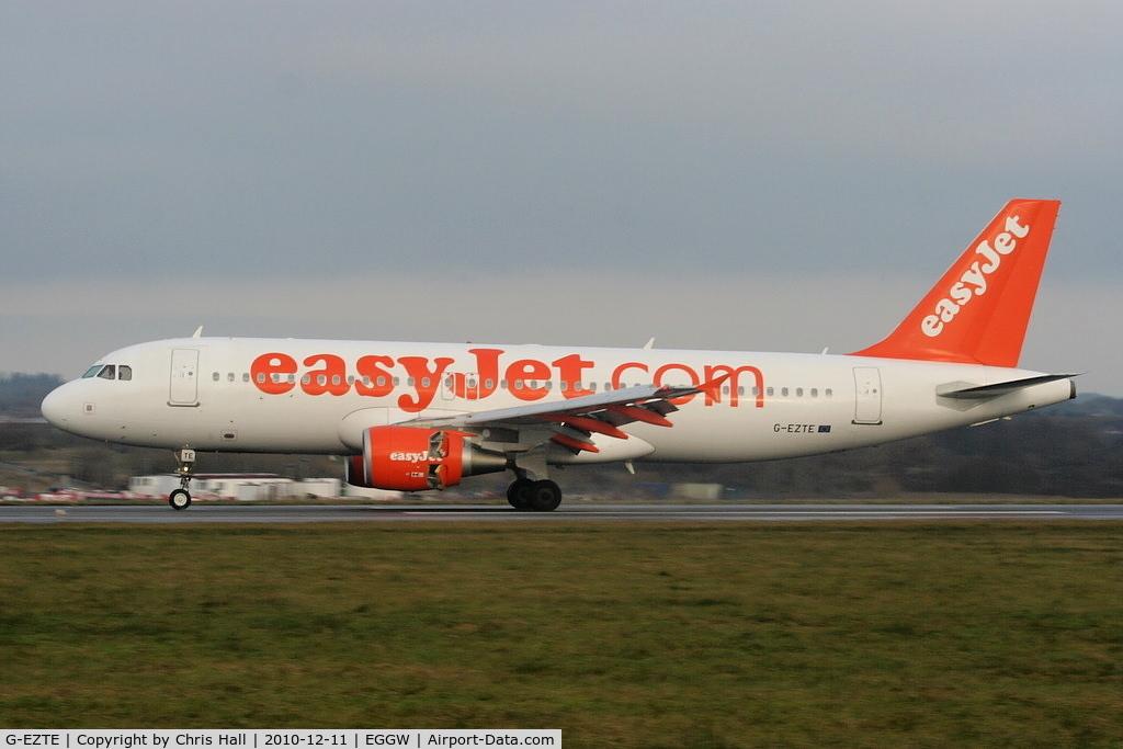 G-EZTE, 2009 Airbus A320-214 C/N 3913, easyJet A320 landing on RW26