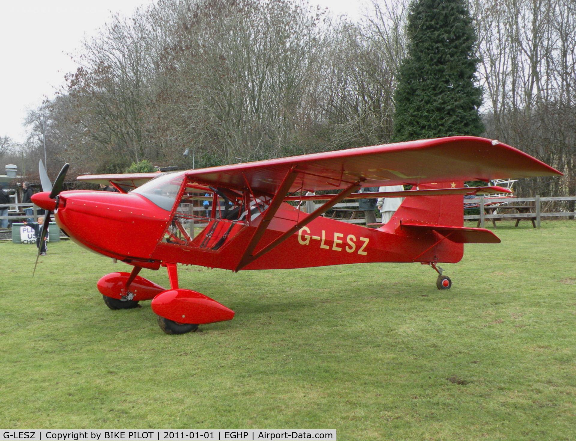 Aircraft G-LESZ (2003 Skystar Kitfox Series 5 C/N PFA 172C