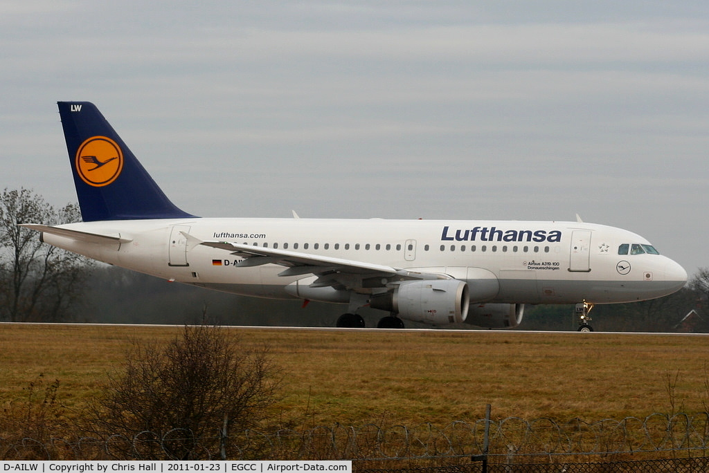 D-AILW, 1998 Airbus A319-114 C/N 853, Lufthansa A319 lining up on RW05L