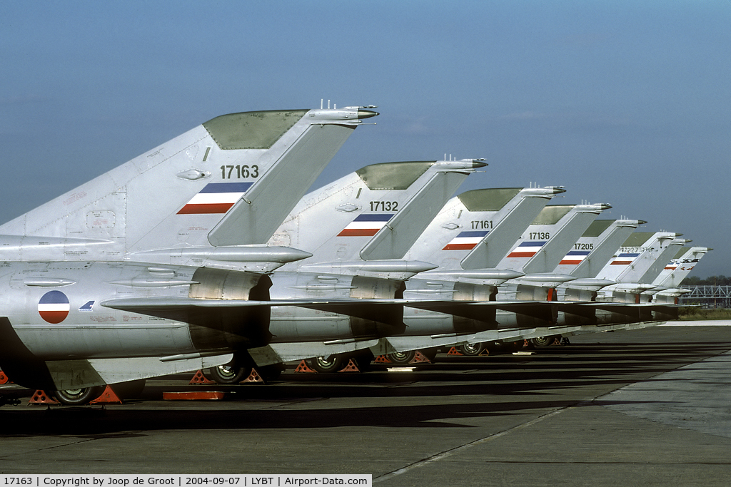 17163, Mikoyan-Gurevich MiG-21bis-K C/N 75073991, a long line of MiG-21Bis with the local air defence unit.