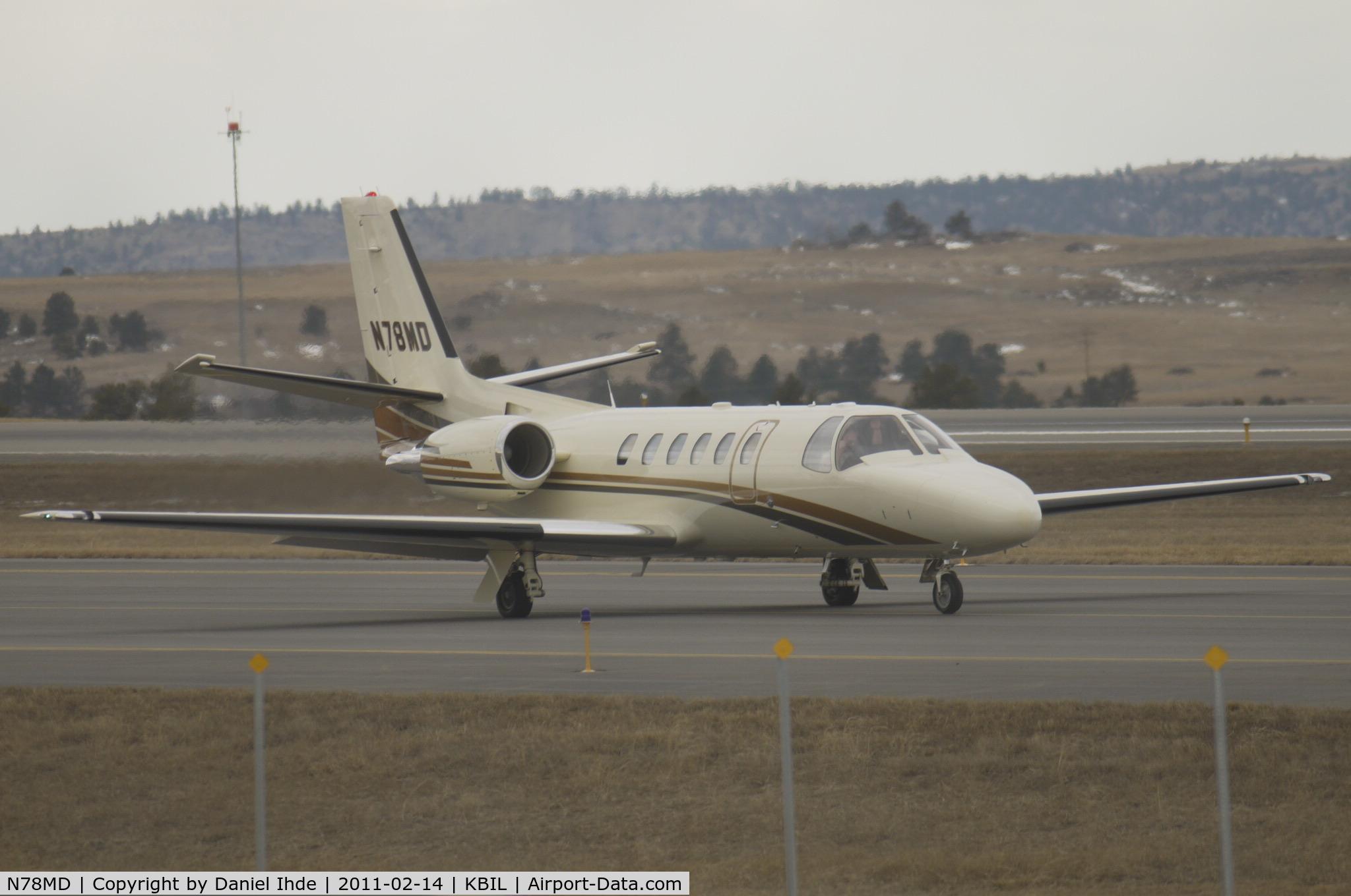 N78MD, 2001 Cessna 550 C/N 550-0970, Cessna Citation 550 taxi's to 28R at Billings Logan
