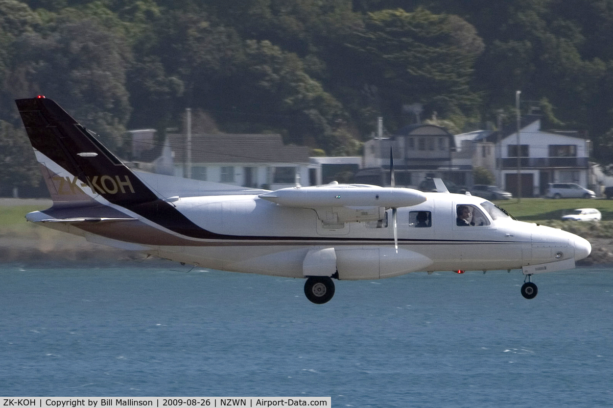 ZK-KOH, Mitsubishi MU-2B-30 C/N 521, yet another visitor to the Capital