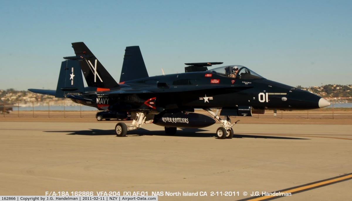 162866, McDonnell Douglas F/A-18A Hornet C/N 0404, at NAS North Island