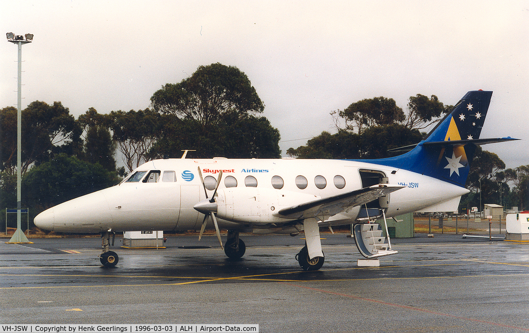 VH-JSW, British Aerospace BAe-3102 Jetstream 31 C/N 620, Skywest Airlines