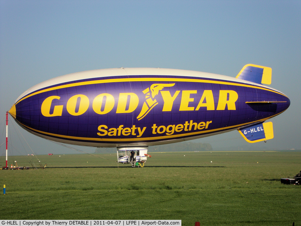 G-HLEL, 1995 American Blimp Corp A-60+ C/N 10, 1er day since 2001 last operation GOODYEAR in Europe.