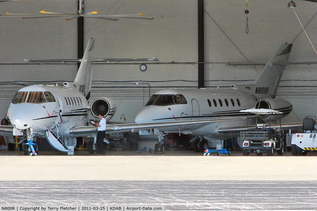 N800R, 2004 Raytheon Aircraft Company Hawker 800XP C/N 258694, Raytheon Aircraft Company HAWKER 800XP, c/n: 258694 hangared with sistership N100R