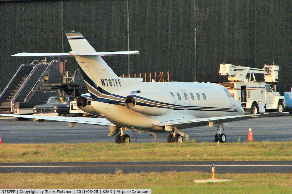 N787FF, Hawker Beechcraft Corp HAWKER 750 C/N HB-2, Hawker Beechcraft Corp HAWKER 750, c/n: HB-2 in fading light