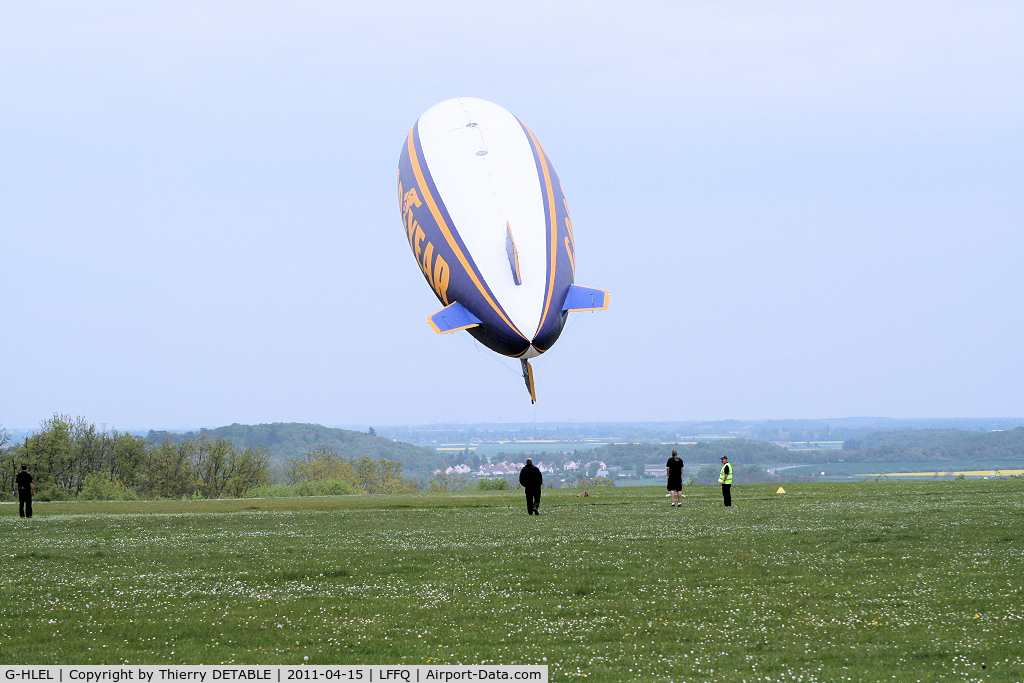 G-HLEL, 1995 American Blimp Corp A-60+ C/N 10, Short Take-off of pilot Florian KUHN